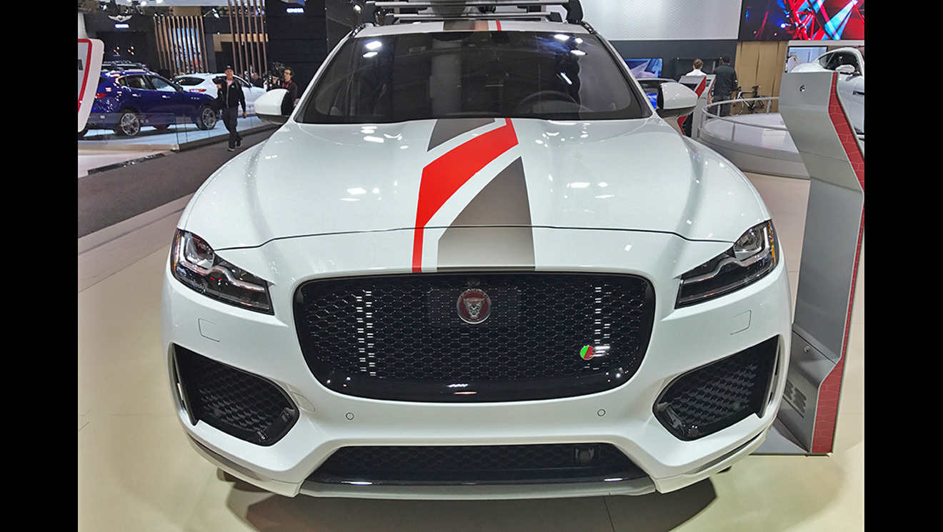 Jaguar F-Pace Stripes